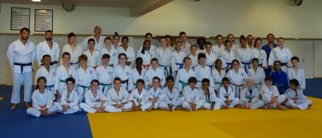 Photo du groupe sur le tapis